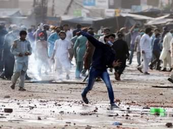 Pakistan Civil War: तातडीने पाकिस्तान सोडा; फ्रान्सचे नागरिकांना आदेश - Marathi News | Pakistan Civil War: Leave Pakistan immediately; Orders to the citizens of France | Latest international News at Lokmat.com