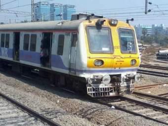 Mumbai Train Update : पश्चिम रेल्वेची वाहतूक विस्कळीत, माटुंगा रोड-माहीमदरम्यान रेल्वे रुळाला तडा
