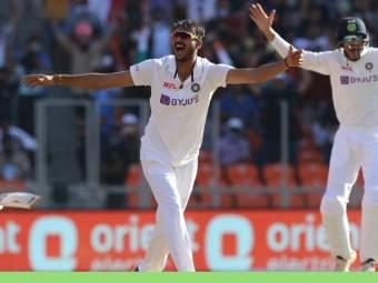 Ind vs Eng 3rd Test : भारताकडून इंग्लंडची 'फिरकी'; विजयासाठी अवघ्या ४९ धावांचं लक्ष्य - Marathi News | india vs England 3rd Test Live Cricket Score England all out for lowest ever total vs India now india needs 49 runs to win | Latest cricket News at Lokmat.com