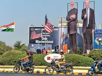 अमेरिकेचे राष्ट्राध्यक्ष ट्रम्पआजपासून भारत दौऱ्यावर; अहमदाबादमध्ये जय्यत तयारी