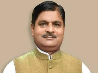Vijay Kashyap : उत्तर प्रदेश सरकारमधील मंत्री विजय कश्यप यांचे कोरोनामुळे निधन - Marathi News   UP minister Vijay Kashyap die due to Corona   Latest national News at Lokmat.com