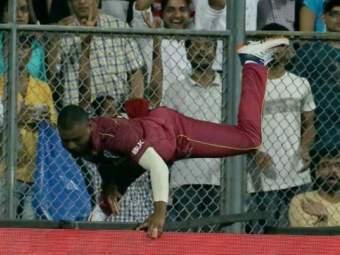 India vs West Indies : वेस्ट इंडिजला मोठा धक्का; गंभीर दुखापतीमुळे लुईस थेट हॉस्पिटलमध्ये दाखल