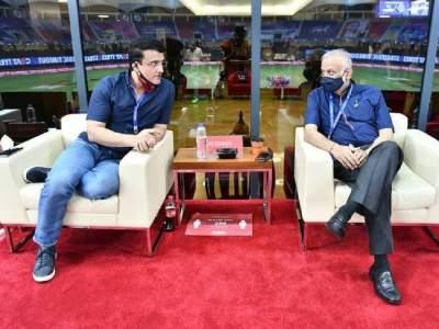 IPL 2021 : बीसीसीआय अध्यक्ष सौरव गांगुलीचं मोठं विधान,'उर्वरित आयपीएल भारतात होणार नाही!'; जाणून घ्या चार पर्याय! - Marathi News | IPL 2021: BCCI President Sourav Ganguly big statement, 'remainder of IPL cannot happen in India', Here is the option | Latest cricket News at Lokmat.com
