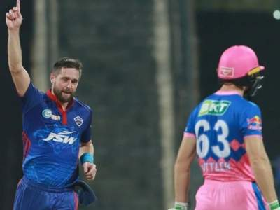 IPL 2021 Suspended : मोठी बातमी; आयपीएल २०२१ सुरू झालं तरी आता इंग्लंडचे खेळाडू सहभागी होणार नाहीत! - Marathi News | IPL 2021 Suspended : England players unlikely to be involved in rescheduled IPL 2021 | Latest cricket News at Lokmat.com
