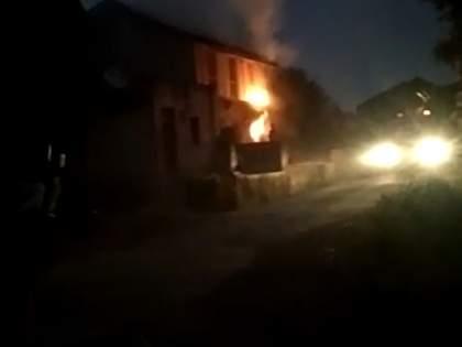 Explosion of gas cylinder at Kumbhari   कुंभारी येथे गॅस सिलिंडरचा स्फोट