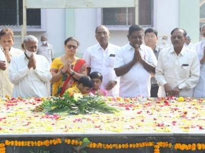 Tribute to JT Mahajan on the occasion of Punyatithi | जे.टी.महाजन यांना पुण्यतिथीनिमित्त श्रद्धाजली