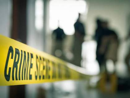 The murder of an innocent 3-year-old child was revealed due to a 'slipper'; Incident at Marketyard   एका'चप्पल'मुळे उघडकीस आला ३ वर्षाच्या चिमुकल्याचा खून; मार्केटयार्ड येथील घटना