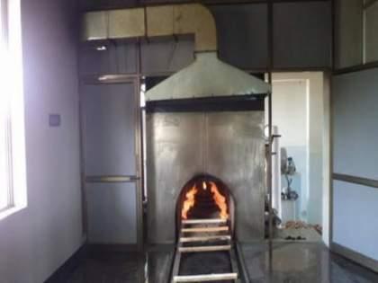 Gas cremation in 12 municipalities and 4 grampanchayats in Pune district   पुणे जिल्ह्यातील १२ नगरपालिका आणि ४ ग्रामपंचायतीत अत्याधुनिक गॅस शवदाहिनी बसविण्यात येणार