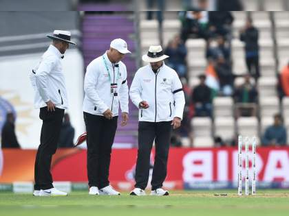 WTC final 2021 Ind vs NZ 1st Test : Day 02 has been suspended due to bad light, India 146/3 | WTC final 2021 Ind vs NZ 1st Test : अंधुक प्रकाशामुळे खेळ रद्द; टीम इंडियानं विकेट्स राखल्या, पण कासवगतीनं धावा केल्या!