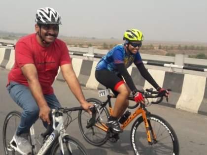 Unique tribute to Snehal Malichi Maharaj; Cycling 100 km from Kharghar to Raigad | स्नेहल माळीची महाराजांना अनोखी मानवंदना; खारघर ते रायगड 100 किमी सायकलिंग