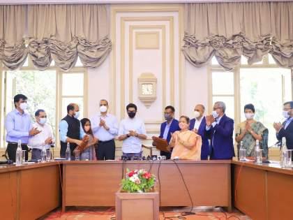 International Board Academic Curriculum in BMC Schools; Agreement with the University of Cambridge | BMC शाळांमध्ये आंतरराष्ट्रीयबोर्डाचा शैक्षणिक अभ्यासक्रम;केंब्रिज विद्यापीठाबरोबर करार