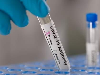 patients with corona should be treated with antibody cocktails, recommendation by the WHO | कोरोनाच्या गंभीर रुग्णांचा अँटीबॉडी कॉकटेलने उपचार, WHO ने केली शिफारस