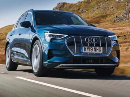 Audi e tron launch date confirmed electric luxury SUV launch on this date know features and more | भारतात २२ जुलैला लाँच होणार Audi ची दमदार Electric SUV; सिंगल चार्जमध्ये जाणार ४३६ किलोमीटर