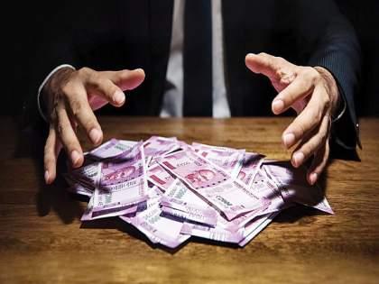 Notices to those hiding billions abroad; Strict action of Central Government in case of black money   विदेशात कोट्यवधी दडवून ठेवणाऱ्यांना नोटिसा;काळ्या पैशांप्रकरणी केंद्र सरकारची कठोर कारवाई