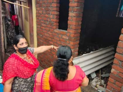 mini dharavi stands in Borivali 60 to 70 pucca huts erected during the day   बोरीवलीत उभी राहते मिनी धारावी! दिवसा ढवळ्या उभारल्या 60 ते 70 पक्क्या झोपड्या