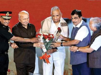 Ganpatrao Deshmukh : Abasaheb who immortalizes loyalty! ganpatrao deshmukh leader of people, farmer and worker   Ganpatrao Deshmukh : एक पक्ष, एक मतदारसंघ, एक ध्यास... एकनिष्ठेला अजरामर करणारे आबासाहेब!