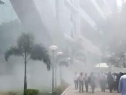 Breaking: Fire at CBI headquarters in Delhi; Officers run outside the building | Breaking: दिल्लीतील CBI मुख्यालयाला लागली आग; काचेच्या इमारतीतून अधिकारी बाहेर पळाले, ५ बंब दाखल
