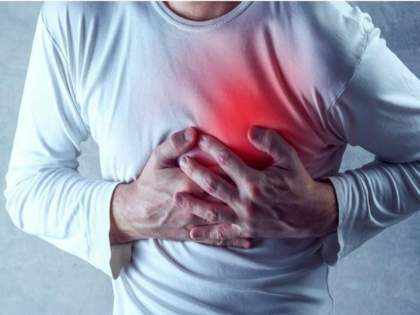 Corona Symptoms : Chest problem can also be a sign of corona infection   Corona Symtoms : कोरोनाचं नवं लक्षण असू शकतो छातीत जाणवणारा त्रास; कसा ओळखाल शरीरात झालेला बदल?