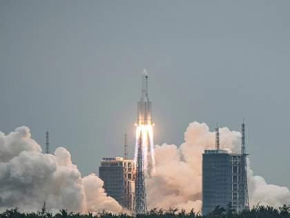 China's out of control rocket will crash on the earth at 4pm; Where Will It Land? | China Rocket out of control: अवघ्या जगाने श्वास रोखला! चीनचे अनियंत्रित रॉकेट कोणत्याही क्षणी कोसळणार
