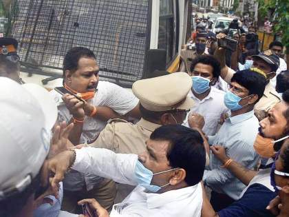 Silence on the streets, but commotion on social media continues after Shiv sena bjp clash   रस्त्यावर शांतता, पण सोशल मीडियात घमासान सुरूच; 'ते' शिवसैनिक पोहोचले 'वर्षा'वर