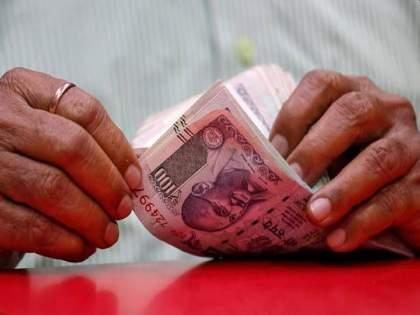 Loan moratorium banks started depositing cashback in accounts who didn't miss EMI during lockdown | दिवाळीपूर्वी कर्जदारांना गिफ्ट; लॉकडाऊन काळात EMI भरणाऱ्यांना आजपासून मिळाला कॅशबॅक