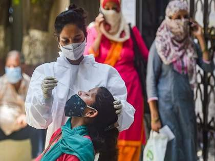 CoronaVirus Delta variant is weakening by penetrating the vaccines protective shield but the danger remains | CoronaVirus: लसीचे संरक्षण कवच भेदून कमजोर पडतोय डेल्टा व्हेरिएंट, पण...