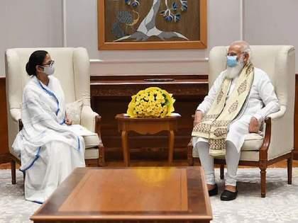 CM Mamata Banerjee meets PM Narendra Modi; Corona vaccine and present the issue about changing the name of the state   CM ममतांनी घेतली PM मोदींची भेट; कोरोना लस अन् राज्याचं नाव बदलण्याचा मुद्दा केला उपस्थित...!