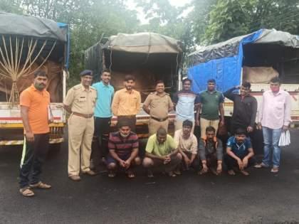 Three carts carrying animals caught at Golwali | गोळवली येथे पकडल्या जनावरे घेऊन जाणाऱ्या तीन गाड्या