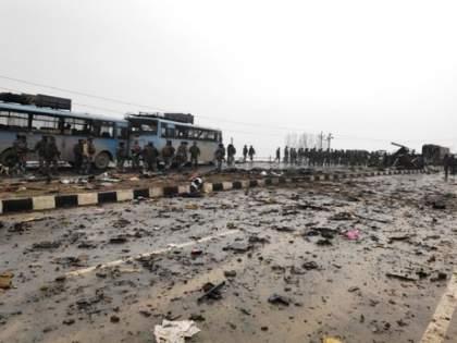 Personnel Of Central Armed Paramilitary Forces Will Entitled To Air Travel To And From Srinagar | पुलवामाची पुनरावृत्ती टाळण्यासाठी सरकारचा मोठा निर्णय; निमलष्करी दलाला मोठा दिलासा
