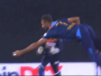 India vs SL 3rd T20I live : India records their lowest ever score in a T20i game after 10 overs, WHAT A CATCH by Dasun Shanaka, Video | IND Vs SL 3rd T20I Live : पहिल्या दहा षटकांत टीम इंडियाच्या ५ बाद ३९ धावा, दासून शनाकाचा अफलातून झेल, Video
