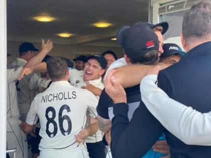 WTC final 2021 Ind vs NZ Test : SCENES in the New Zealand dressing room after winning Ross Taylor hit winning shots, Video   WTC Final 2021 IND vs NZ : ... अन् न्यूझीलंडच्या ड्रेसिंग रुममध्ये भावनांचा बांध फुटला, जेतेपदाचा असा जल्लोष साजरा झाला, Video