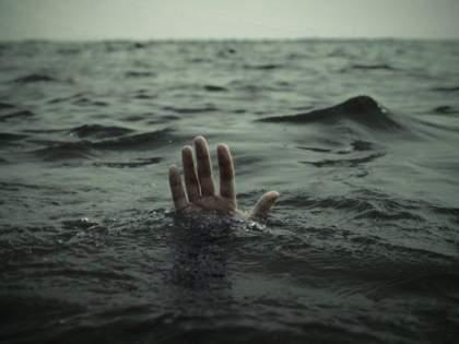 Three girls drowned in Wainganga river | वैनगंगा नदीत तीन मुलींना जलसमाधी, नाव उलटून अपघात