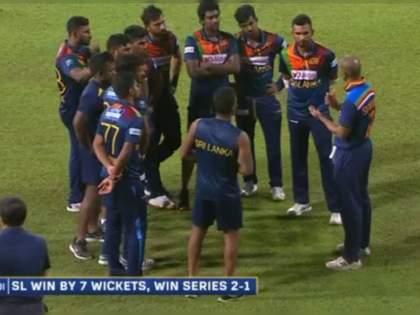 India vs SL 3rd T20I live : Indian captain Dhawan talking to Sri Lankan youngsters after the series and sharing the experience | IND Vs SL 3rd T20I Live : टीम इंडियानं गमावली मालिका, पण कर्णधार शिखर धवनच्या कृतीनं जिंकली मनं!