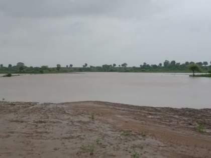 Flooding of Katepurna river; Hundreds of acres of farmland under water | काटेपूर्णा नदीला पूर; शेकडो एकर शेतजमीनपाण्याखाली