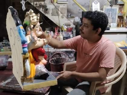 Ganpati from Thane went overseas; This year, only eco-friendly Ganeshj are demanded abroad   ठाण्यातील बाप्पा निघाले सातासमुद्रापार; परदेशात यंदा फक्त पर्यावरणस्नेही बाप्पांना मागणी