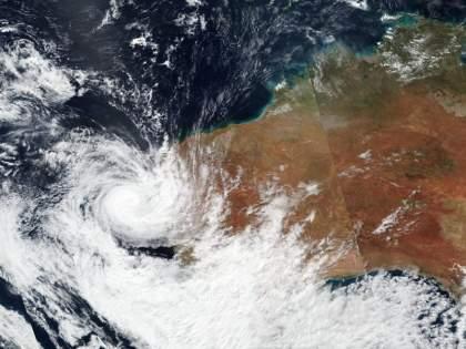 Cyclone Tauktae Alert Maharashtra: Tauktae Cyclone picks up speed, will become more active hourly; The next two days are important for Konkan   Cyclone Tauktae Alert Maharashtra: तौत्के चक्रीवादळाने वेग पकडला, तासागणिक अधिक सक्रिय होणार; कोकणासाठी पुढील दोन दिवस महत्त्वाचे