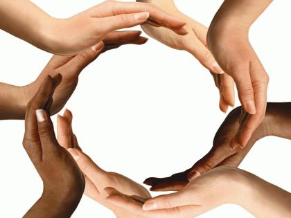 Your little help can survive a family; Donations to the Mukul Madhav Foundation   24 तासात सहा हजार गरजूंना सहाय्य ; मुकूलमाधव फाउंडेशनतर्फे मदतीचा हात