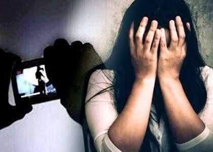 Crime News up youth friends mp girl on facebook and started blackmailing | भयंकर! फेसबुकवरील मैत्री पडली महागात; Video कॉलने उद्ध्वस्त झालं आयुष्य, तरुणीवर आत्महत्येची वेळ