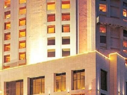 Isolation of Corona patients in the hotel for the safety of the family | कुटुंबीयांच्या सुरक्षेसाठी कोरोना रुग्णांचे हॉटेलमध्ये विलगीकरण