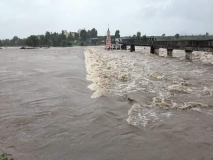 Flooding of Indrayani river in Dehu; Presence of heavy rains in Maval area | देहूतील इंद्रायणी नदीला महापूर; मावळ परिसरात जोरदार पावसाची हजेरी