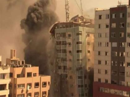 israel syria border conflict live updates : international media building airstrike destroyed rockets from gaza lebanon syria tensions | Israel Airstrike : इस्त्रायलच्या हवाई हल्ल्यात गाझामधील मीडिया ऑफिसेसची बिल्डिंग उद्ध्वस्त