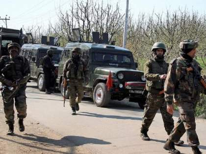 Jammu-Kashmir: Two militants killed in overnight clash in Baramulla district   Jammu-Kashmir: बारामूला जिल्ह्यात भारतीय सैन्य आणि दहशतवाद्यांमध्ये रात्रभर चकमक, दोन दहशतवादी ठार