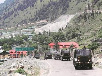 big movements on China's LAC in Ladakh; 50,000 troops, weapons deployed | China on LAC: चीनच्या एलएसीवर जोरदार हालचाली; 50000 सैनिक, शस्त्रास्त्रे तैनात