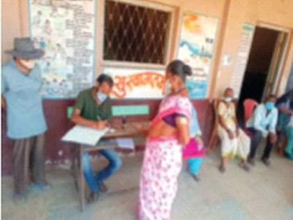 Uchat village administration kind; Vaccination done for a single village   उचाट गावावर प्रशासन मेहेरबान; एकट्या गावासाठी केले लसीकरण