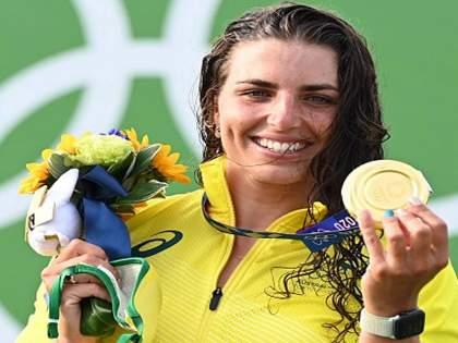 australian canoe slalom athelete jessica fox revealed how by using condom wins bronze at tokyo olympics   अजब, पण खरं आहे; ऑस्ट्रेलियाच्या खेळाडूनं कंडोमच्या मदतीनं जिंकलं ऑलिम्पिक पदक!