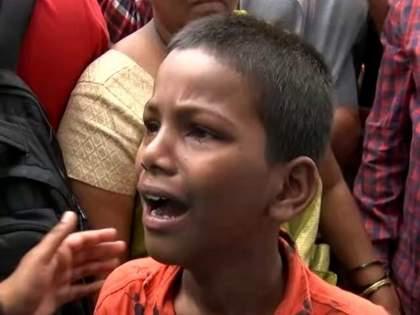 Pune Ambil Odha Slum: All houses demolished, now where shall we go; little boy asked the question to government question | Pune Ambil Odha Slum: सगळी घरं तोडलीत, आता आम्ही कुठे जाऊ?; चिमुकल्याने सरकारला विचारले सवाल