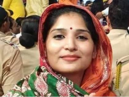 Hearing on Karuna Sharma's bail application on Monday | करुणा शर्मांचा कोठडीतील मुक्काम वाढला; जामीन अर्जावर सोमवारी सुनावणी