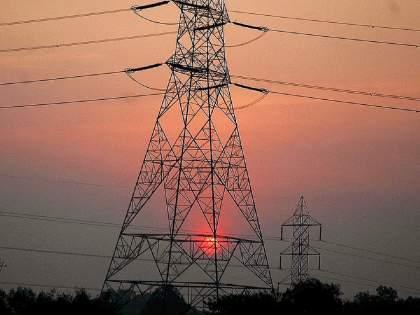 Tauktae Cyclone: Tauktae threatens power plants; High alert issued, MSEB system ready   Tauktae Cyclone:'तौत्के' चक्रीवादळामुळे वीजयंत्रणेला धोका; हाय अलर्ट जारी, महावितरणची यंत्रणा सज्ज