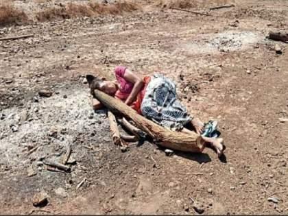 When She Misses Her Son, She Falls Asleep On The Ashes Of Her Pyre In Gujarat , Amirgarh | काळीज पिळवटणारी घटना! मुलाचा विरह सहन होईना; व्याकुळ आई चितेच्या राखेतच झोपते