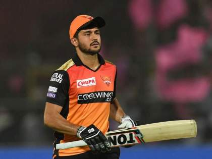 IPL 2021 Virender Sehwag reveals WHY Manish Pandey couldnt win the game for SRH   IPL 2021: ...तर हैदराबादनं बाजी मारली असती; 'या' दिग्गजानं मनीष पांडेला पराभवासाठी धरलं जबाबदार